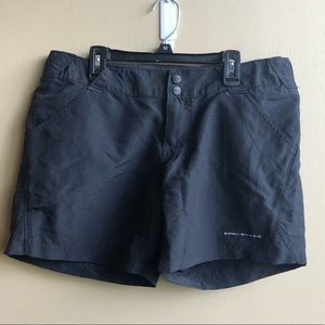 Columbia Omni shade FPG black cargo Shorts M